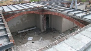 Ladi-coba construction and brick arches